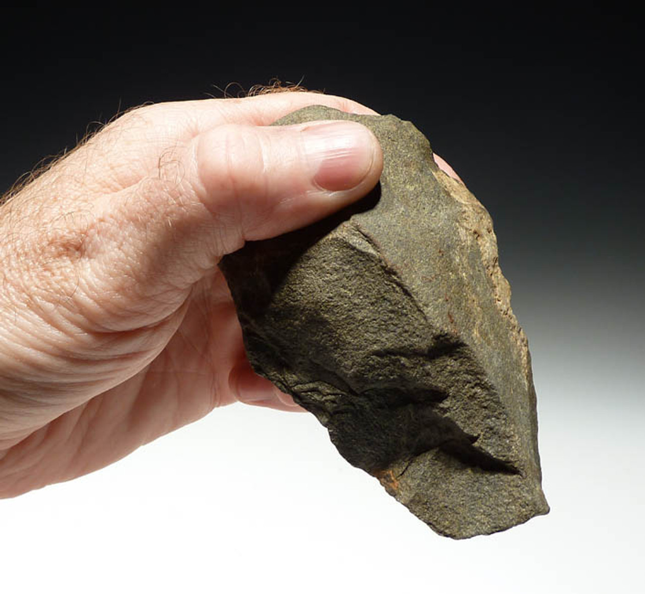 PB077 - EXCEPTIONAL FRENCH EUROPEAN LOWER PALEOLITHIC ACHEULIAN HANDAXE WITH EXTENSIVE FLAKING FROM HAUTE GARONNE