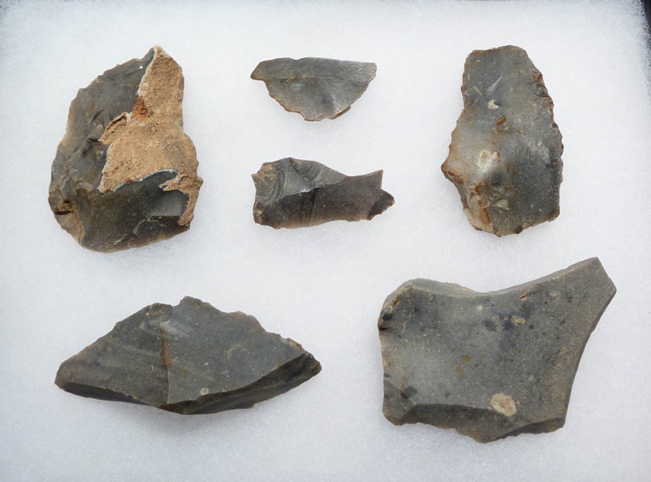 N106 - SET OF 6 STONE FLAKE TOOLS FROM EUROPEAN NEOLITHIC LINEAR POTTERY CULTURE
