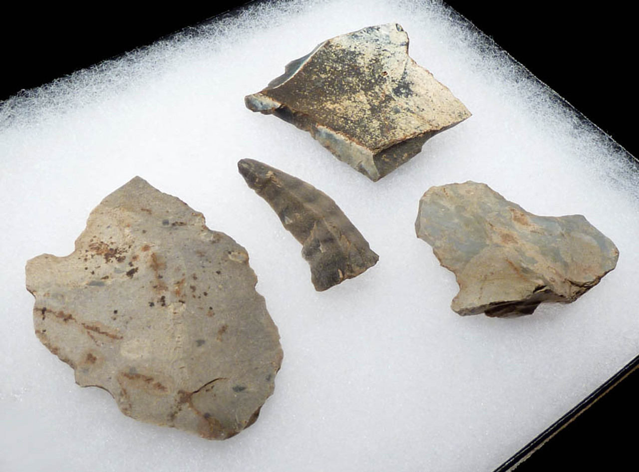 N108 - MAGNIFICENT SET OF 4 EUROPEAN NEOLITHIC FLAKE TOOLS FROM THE LINEAR POTTERY CULTURE