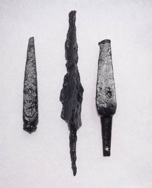 NE109 - SET OF 3 INTACT IRON ARMOR-PIERCING PROJECTILE POINT ARROWHEADS FROM THE EURASIAN STEPPE NOMAD TRIBES