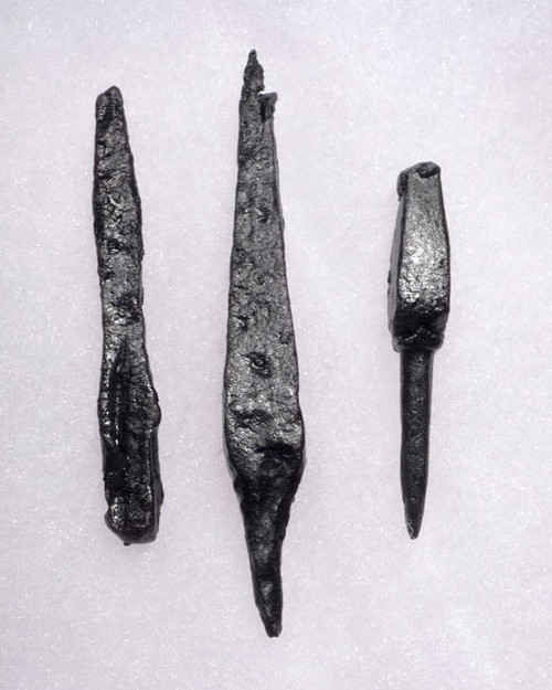 NE108 - SET OF 3 INTACT IRON ARMOR-PIERCING PROJECTILE POINT ARROWHEADS FROM THE EURASIAN STEPPE NOMAD TRIBES