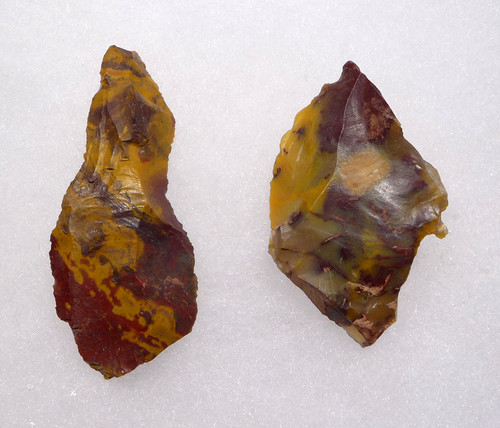 M386 - MULTI-COLORED JASPER NEANDERTHAL MOUSTERIAN KNIFE AND BLADE FLAKE TOOL SET FROM FONTMAURE FRANCE