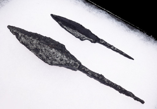 TWO DIFFERENT ANCIENT CAVALRY ARCHER ROMAN BYZANTINE IRON ARROWHEADS *R219