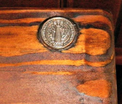 Benedictine Kneelers, Extra Large of Oak