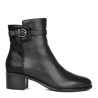 Women's Black Leather Ankle Boots GD 5549810 BLZ