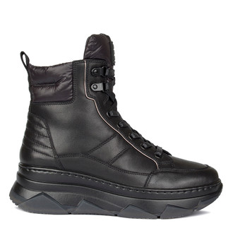 Women's Sporty Black Boots GF 5521010 BLK