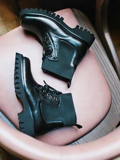 Women's  Masculine Leather Boots GB 5318511 NVA