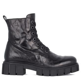 Men's Washed Black Leather Boots MP 7532711 BLA
