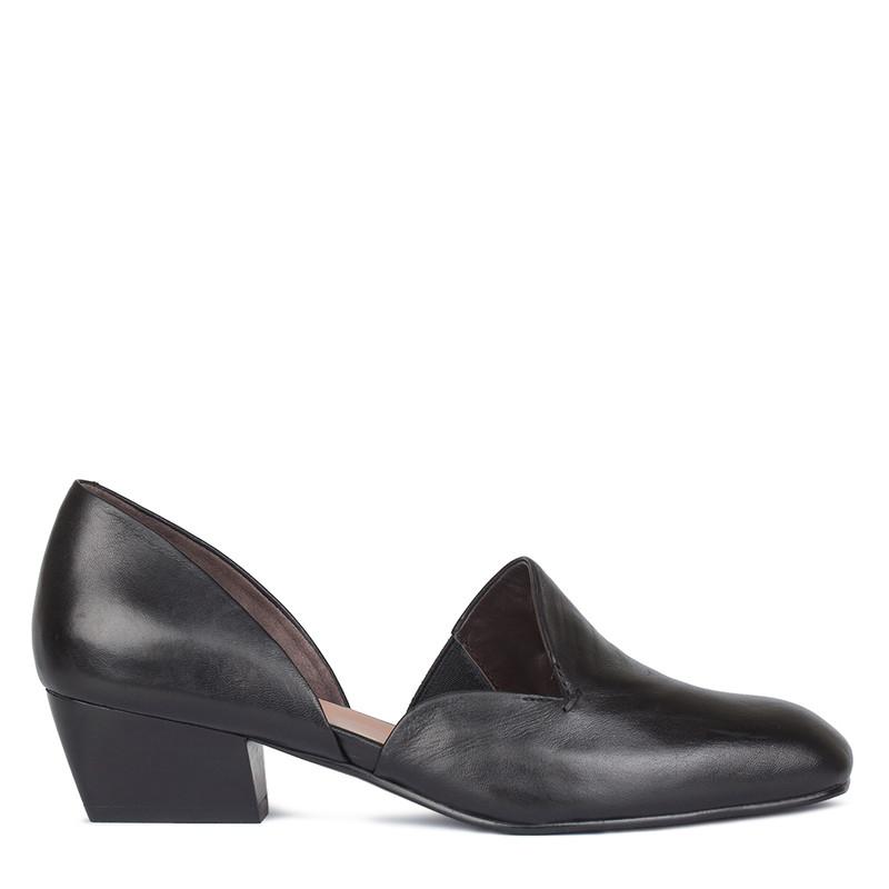 Women's Black Glove Leather Courts GP 5130310 BLK
