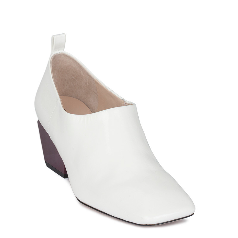 Women's White Patent Leather Courts GR 5261810 WHP