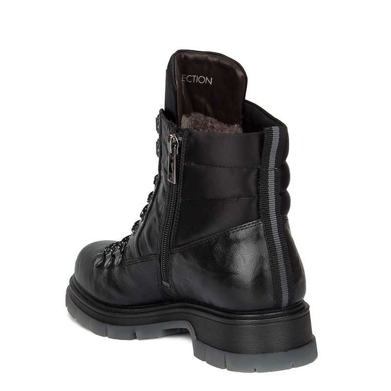 Women's Tough Black Washed Leather Boots MP 5522030 BLA
