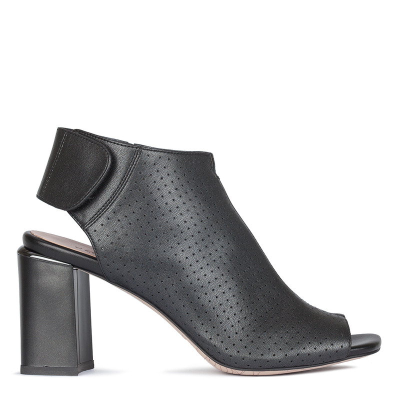 Women's Black Perforated Ankle Boots GD GD 5183110 NVZ