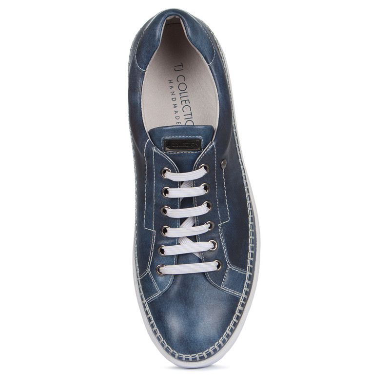Moccasin Type Sneakers in Navy Leather | TJ COLLECTION | Side Image - 3