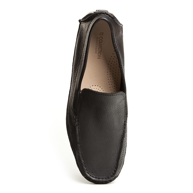 Moccasins in Black Grain Leather | TJ COLLECTION | Side Image - 4