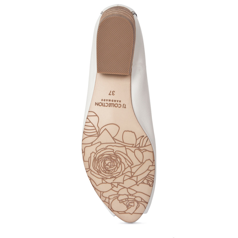 Summer Flats in White Leather | TJ COLLECTION  | Side Image - 4