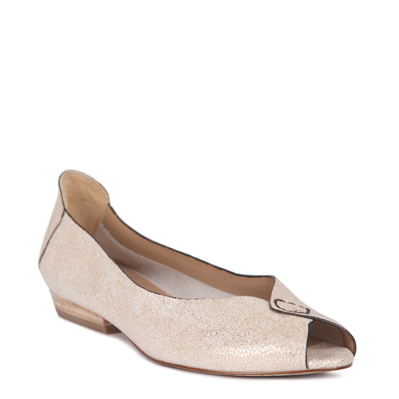 Summer Flats in Shimmering Gold Leather | TJ COLLECTION  | Side Image - 1