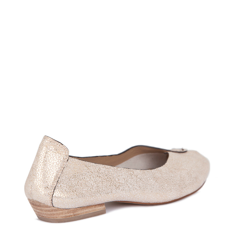Summer Flats in Shimmering Gold Leather | TJ COLLECTION  | Side Image - 2