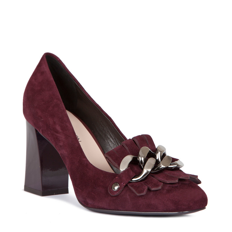 Block Heel Chain Trim Loafers in Burgundy Suede | TJ COLLECTION | Side Image - 1