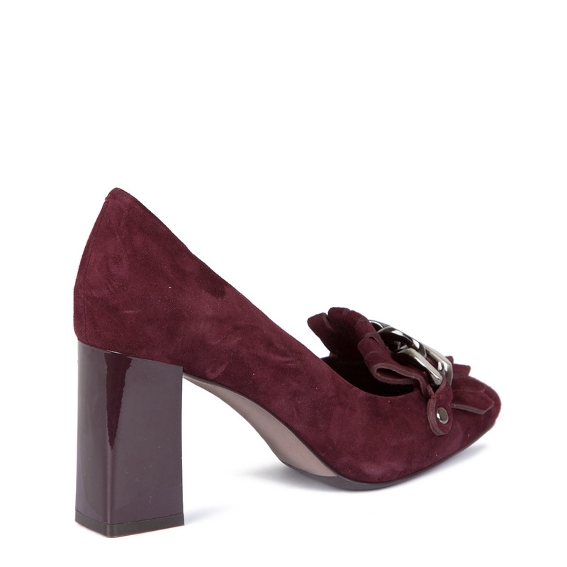 Block Heel Chain Trim Loafers in Burgundy Suede | TJ COLLECTION | Side Image - 2