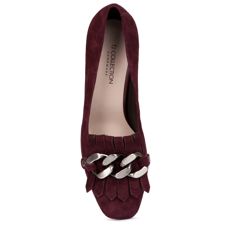 Block Heel Chain Trim Loafers in Burgundy Suede | TJ COLLECTION | Side Image - 3