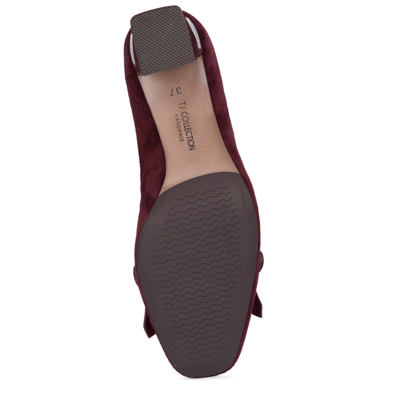 Block Heel Chain Trim Loafers in Burgundy Suede | TJ COLLECTION | Side Image - 4