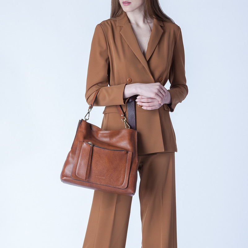 Grained Leather Boho Bag Barcelona YG 5368015 CGA | TJ COLLECTION | Side Image - 4
