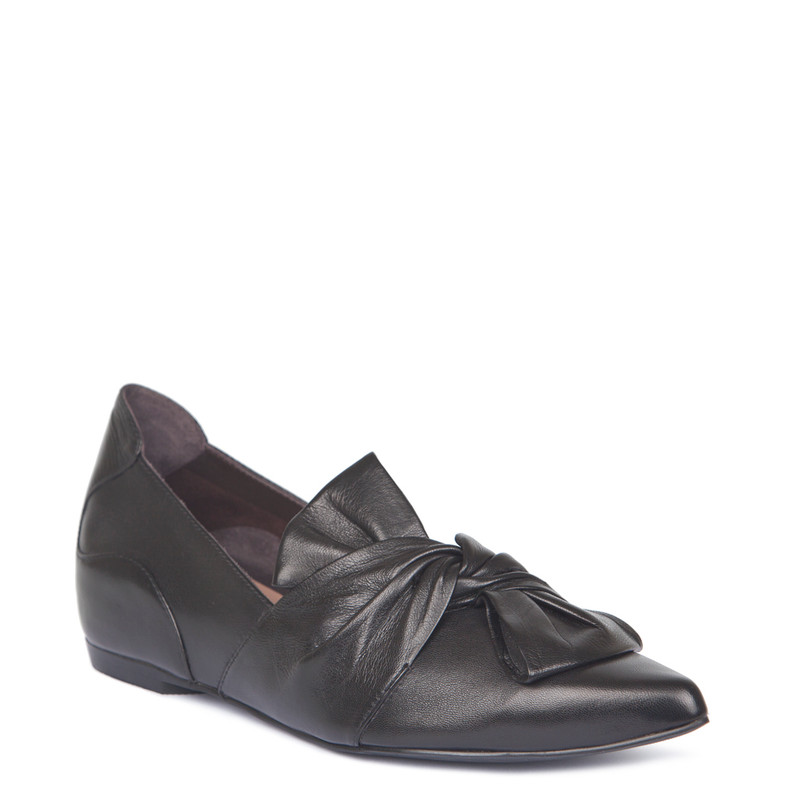 Black Leather Pointy Slip-Ons | TJ COLLECTION | Side Image - 1