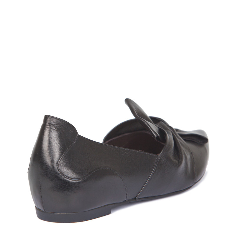 Black Leather Pointy Slip-Ons | TJ COLLECTION | Side Image - 2