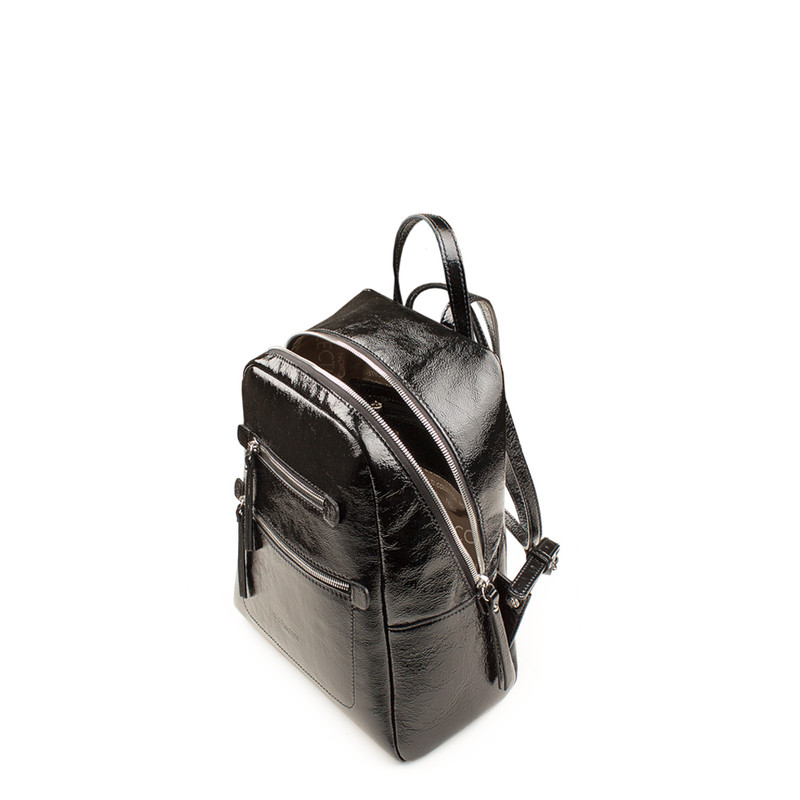 Black Patent Cracked Leather Soho Backpack YG 5320818 BLP   TJ COLLECTION   Side Image - 3