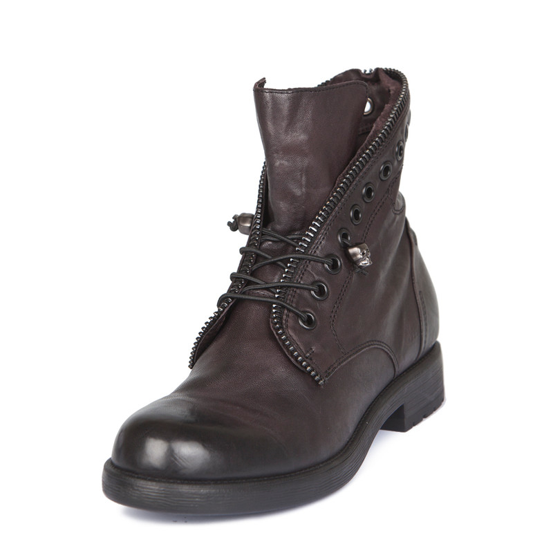 Women's Zip Trim Distressed Ankle Boots MP 5319918 BDA   TJ COLLECTION   Side Image - 1