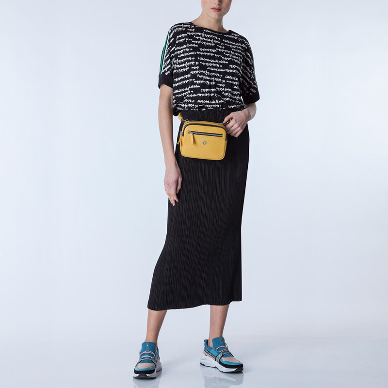 Grained Leather Belt Bag Riva in Yellow YH 5120919 YLB | TJ COLLECTION | Side Image - 4