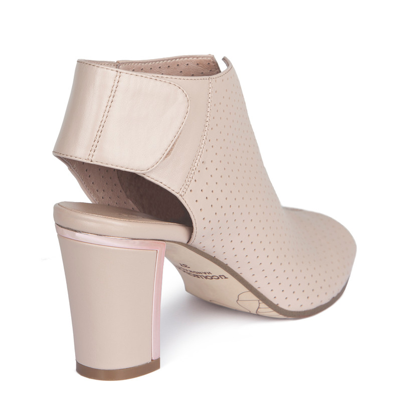Nude Summer Block Heel Booties | TJ COLLECTION | Side Image - 2