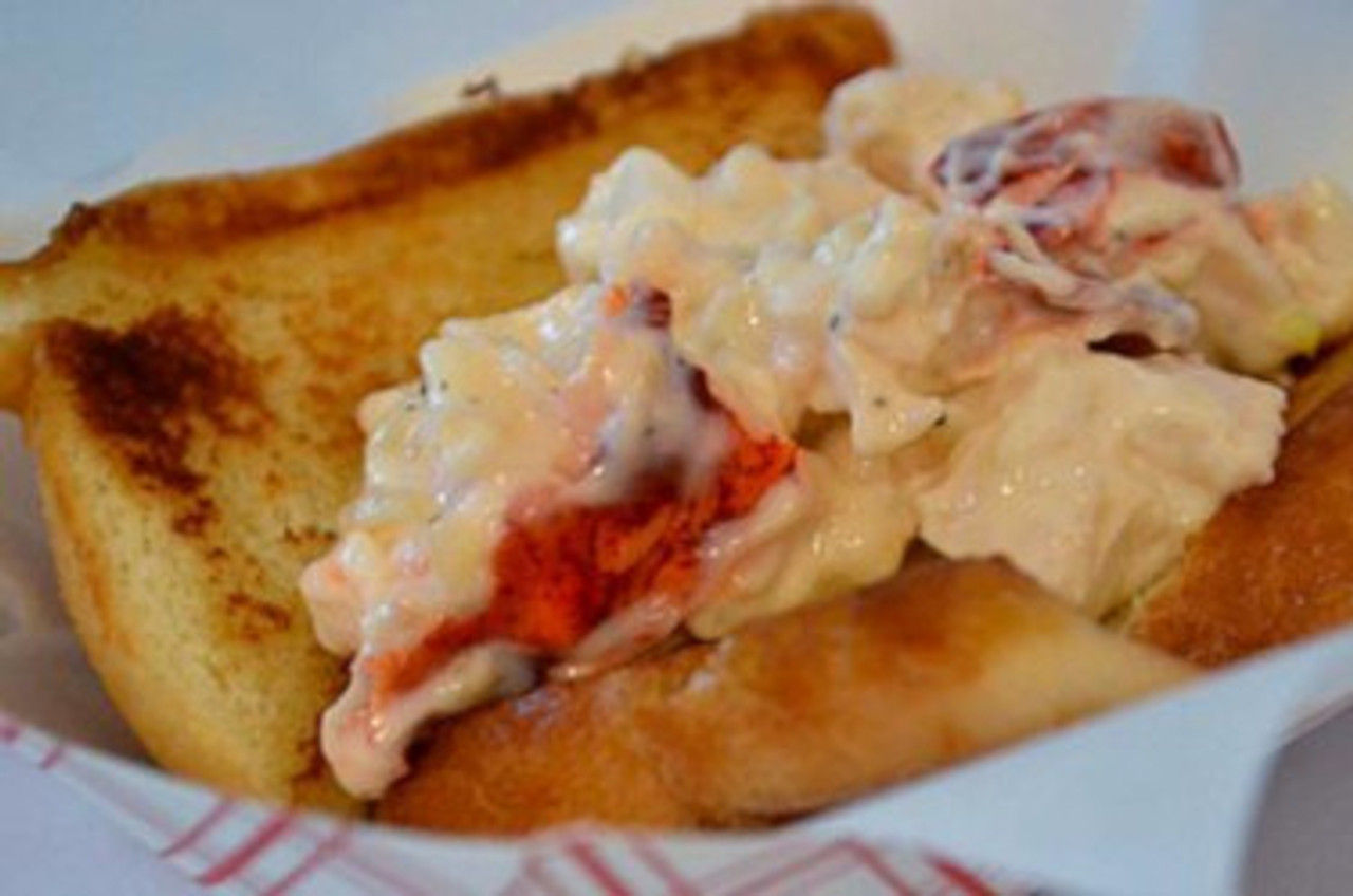 King's Hawaiian Lobster Roll