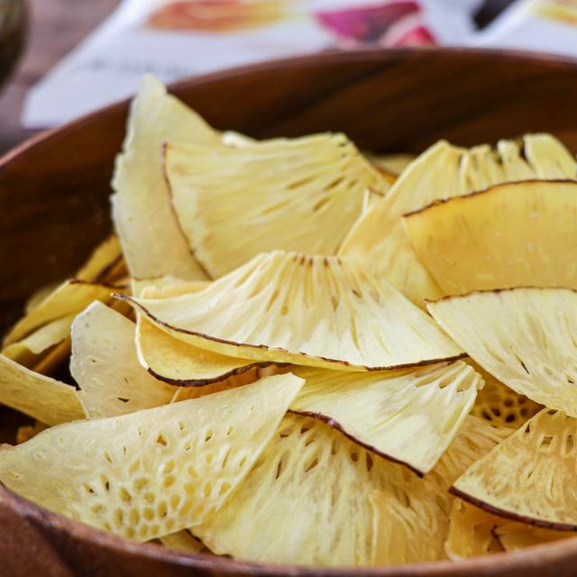 Ulu Mana Garlic Sea Salt 'Ulu Chips, 3.5 Oz in wood bowl