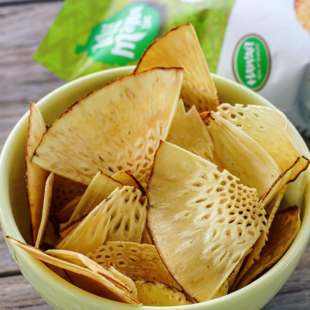 Ulu Mana Cool Lime 'Ulu Chips, 3.5oz in bowl