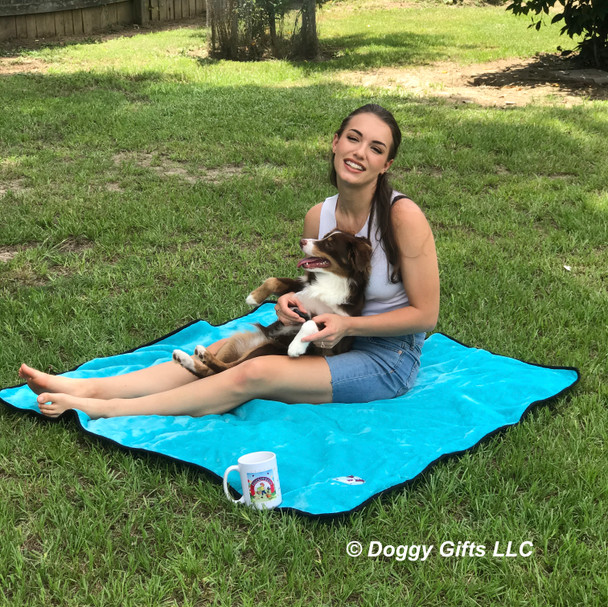 Aspen and Christina are all smiles on their doggygifts Alcott dog blanket