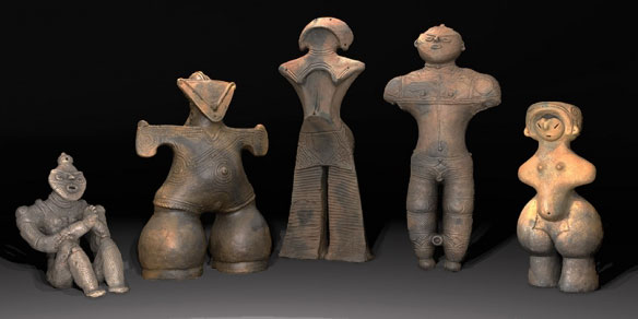They are a curious mix of animal, human, and the supernatural. They are called dogū (土偶, clay figure) and perhaps the most remarkable representation of Japan's Jōmon culture (12,000 BC)