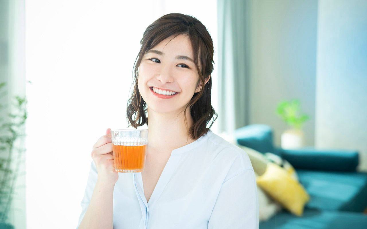 japamese-woman-drinking-tea-1280.jpg The Japanese have a long history of consuming herbal teas for their pleasant flavor and useful properties