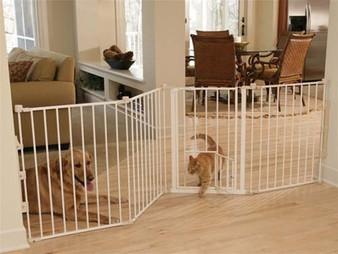 Flexi Walk-Thru Gate with Pet Door