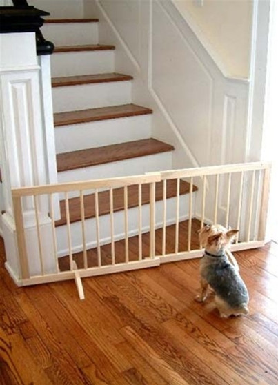 Step Over Expanding Wood Gate SGN