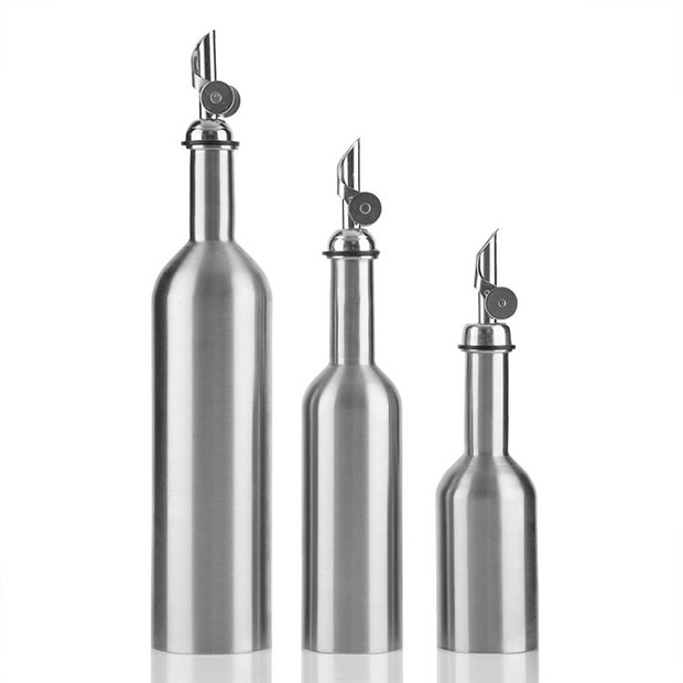 Stainless Decanter with Stainless Spout