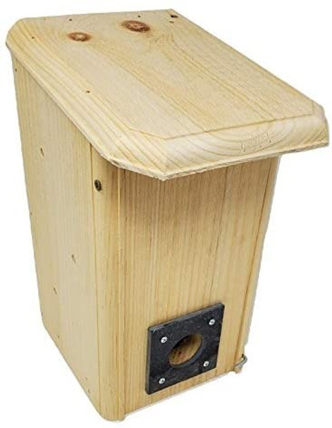 Front view of the Wakefield Premium Birdhouses Small Winter Roost/Shelter Box