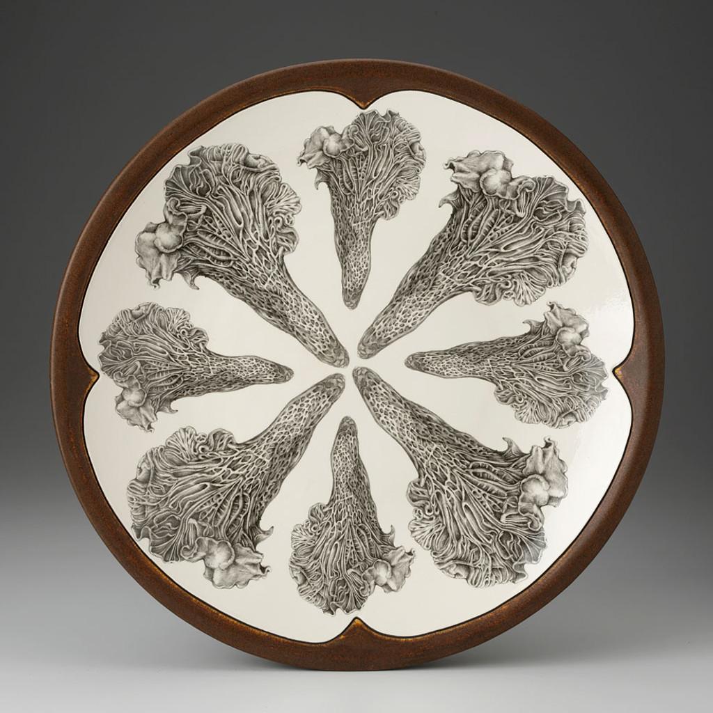 Large Round Platter: Chanterelle