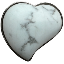 ReadyGolf: Gemstone Heart Shaped Ball Marker - White Howlite