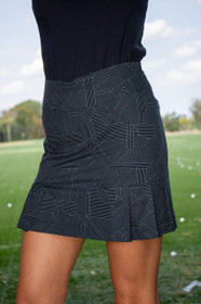 Golftini: Women's Black & White Side Pleat Performance Skort - Gelato