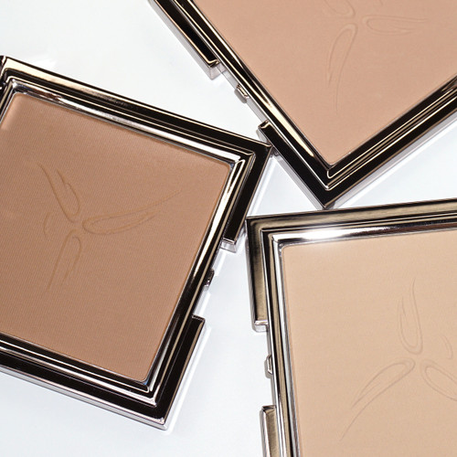 Second Skin Light Diffusing Powder Foundation
