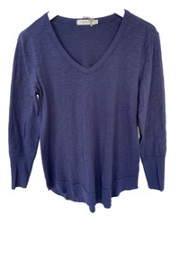 Long Sleeve V-Neck With Curved Hem