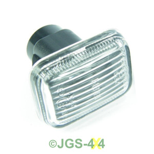 Defender Discovery & Range Rover P38 Clear Side Indicator Lamp - XGB100280