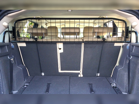 JGS4x4 | Land Rover Discovery Sport Dog Guard Half Height Mesh Type - DA5812