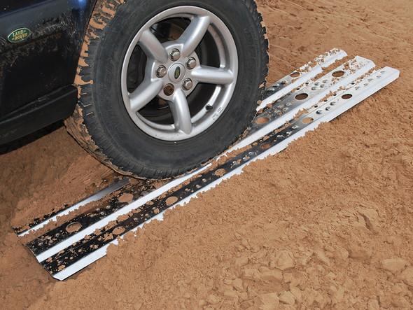 JGS4x4   Land Rover Aluminium Sand Track Recovery Ladders - DA2231